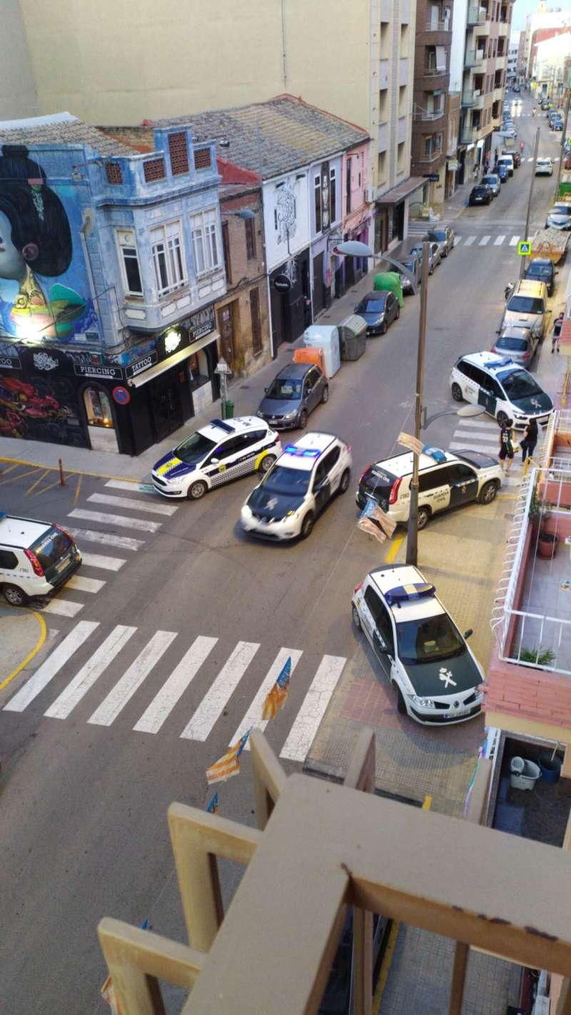 Patrullas de la policía local y guardia civil en la operación