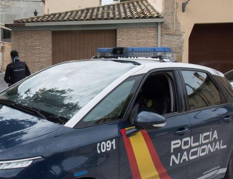 Miembros de la Policía Nacional durante una intervención. EFE/Archivo