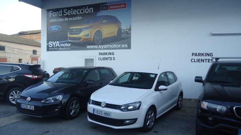 Exposición de vehículos en las instalaciones de SYA Motor en Rafelbunyol.