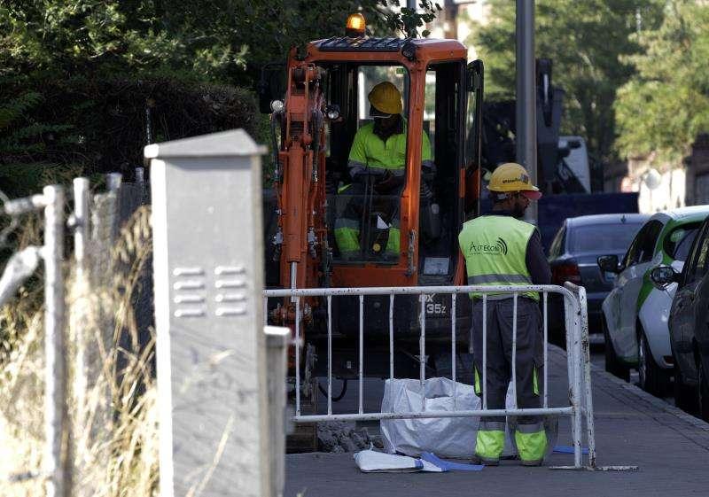 Imagen de operarios de la construcción.EFE/Archivo