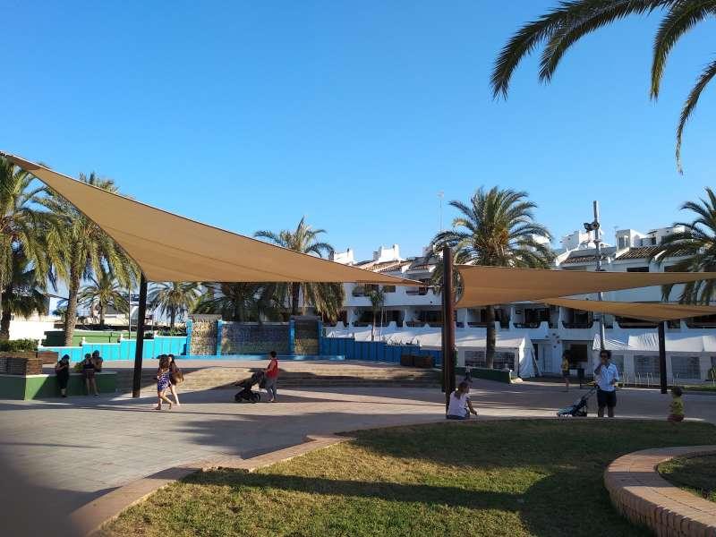 Nous tendals en la plaça Corts Valencianes. / EPDA