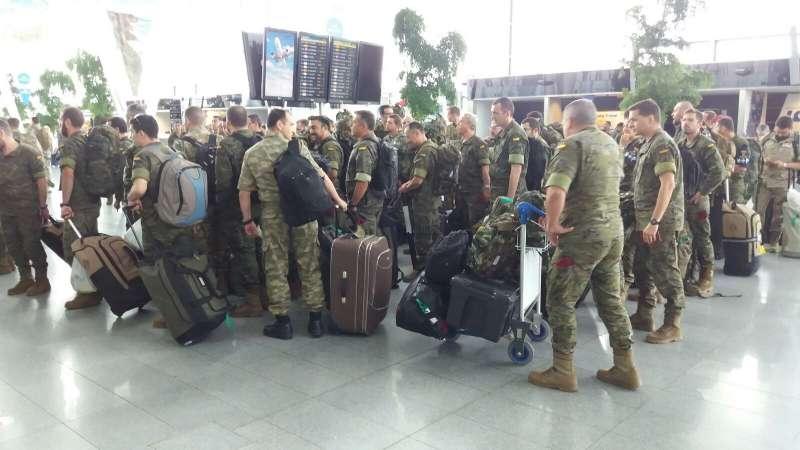 Los militares de la misión en Polonia que regresan a España. //EPDA