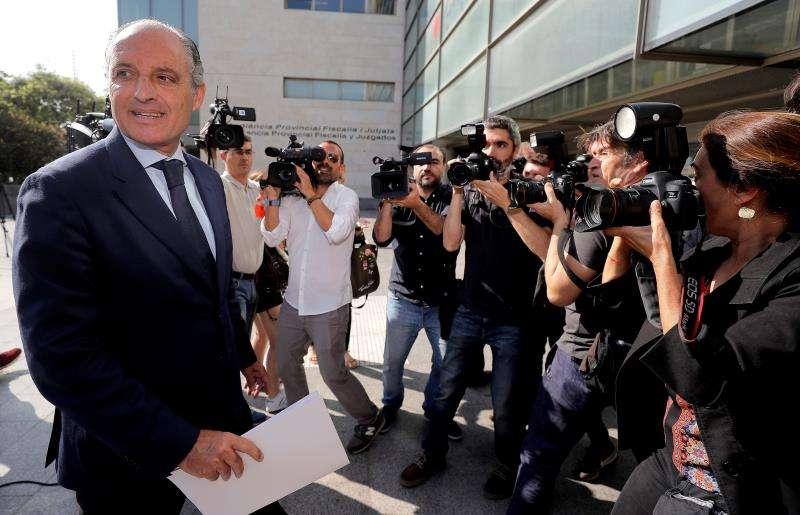 El expresident de la Generalitat Francisco Camps a su llegada a la Ciudad de la Justicia. EFE