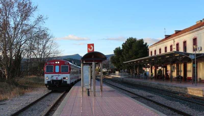 Las obras son para que puedan circular trenes de 750 metros