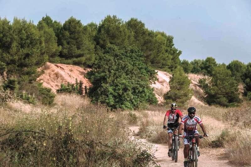 Bicicletes a Les Moles de Paterna.