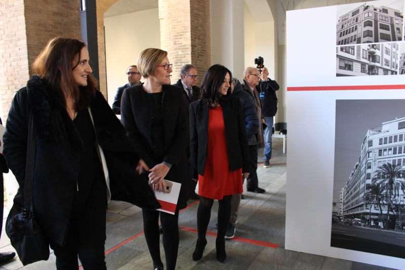 Instante de la inauguración de la exposición