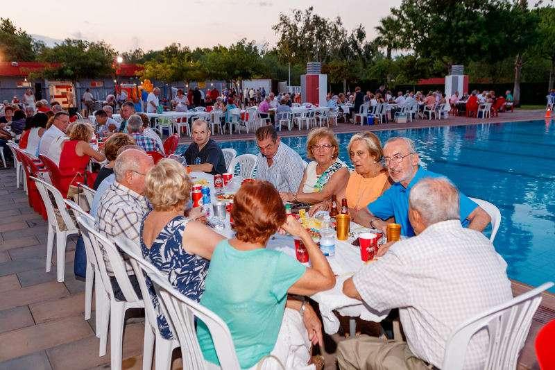 XV Fiesta Solidaria en la piscina de Mislata. EPDA