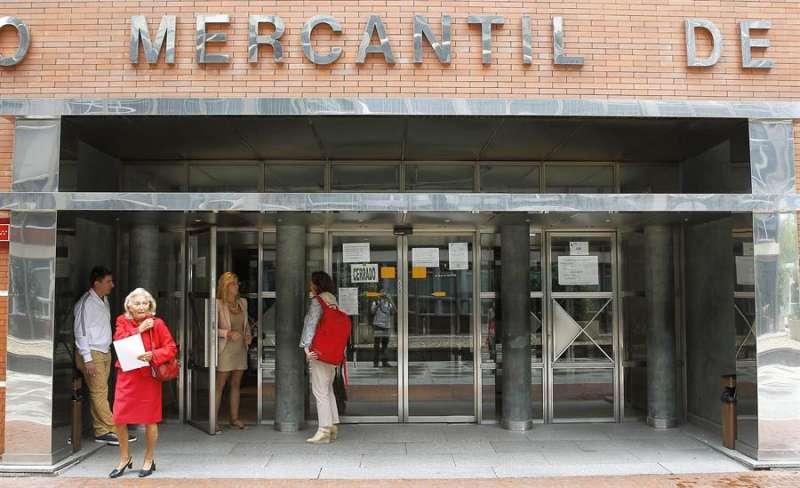Entrada en una sede del Registro Mercantil. EFE