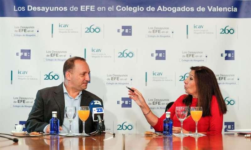 El vicepresidente segundo y conseller de Vivienda, Rubén Martínez Dalmau, durante Los desayunos de EFE. EFE/Manuel Bruque