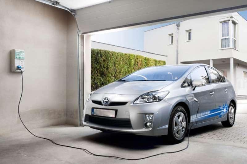 Benaguasil aprueba bonificaciones para vehículos eléctricos e híbridos