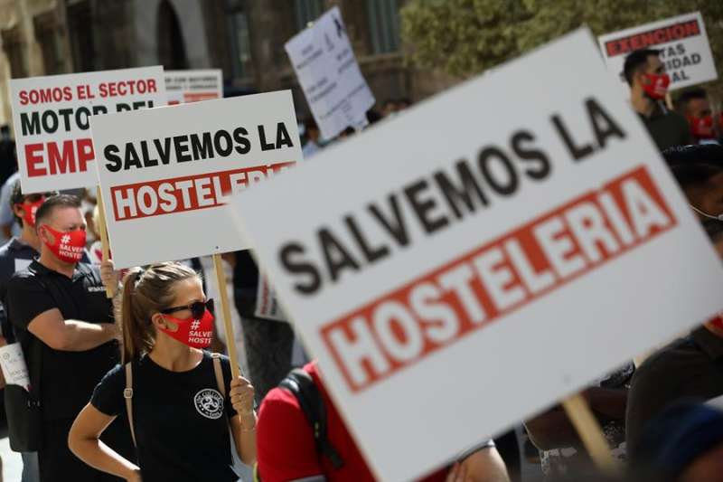 Concentración organizada en septiembre por la Confederación Empresarial de Hostelería y Turismo de la Comunitat. EFE