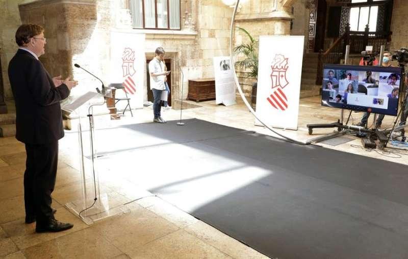 El president de la Generalitat, Ximo Puig, en la comparecencia posterior a la reunión del presidente del Gobierno con los presidentes autonómicos. EFE/Generalitat- Ana Avellana