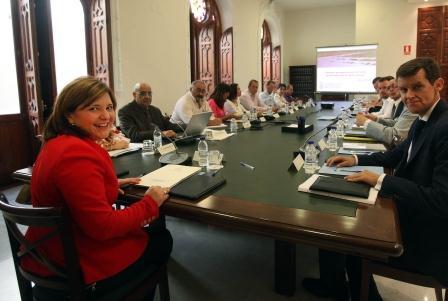 La consellera Isabel Bonig durante la comisión de seguimiento de daños provocados por la fauna salvaje.