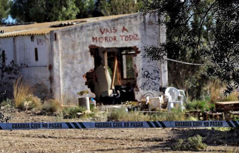Imagen de la vivienda de Godella (Valencia) donde se produjo la muerte de los dos menores. EFE/Archivo