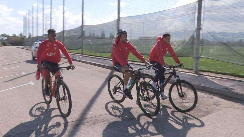 La selección noruega de fútbol se encuentra concentrada en la localidad valenciana de Oliva.EFE