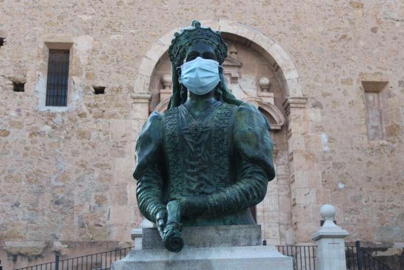 María de Luna con mascarilla. Foto: Mc. Calpe