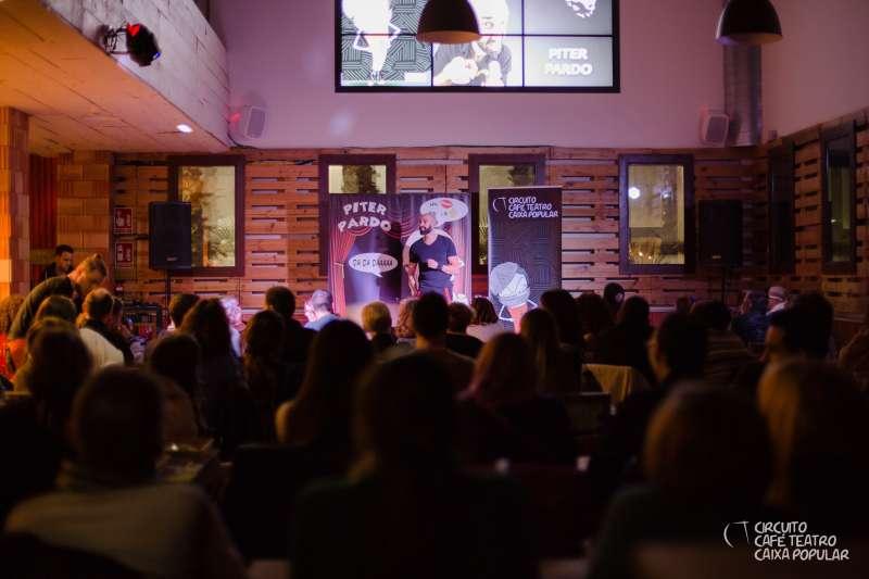 Piter Pardo durante una actuación en el Café Teatro València. EPDA