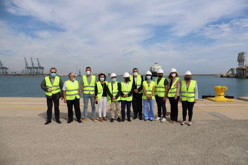 Representantes de Ciudadanos visitan el puerto de Sagunt. / EPDA