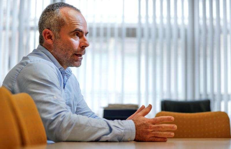 El nuevo secretario general de la Unió de Llauradors i Ramaders, Carles Peris, en una entrevista con EFE. EFE/Manuel Bruque