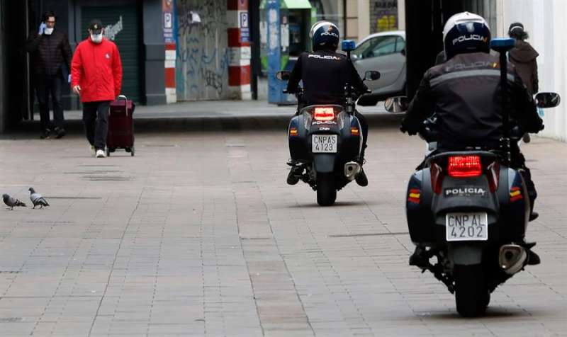 Una patrulla de la Policía Nacional. EFE/Juan Carlos Cárdenas/Archivo