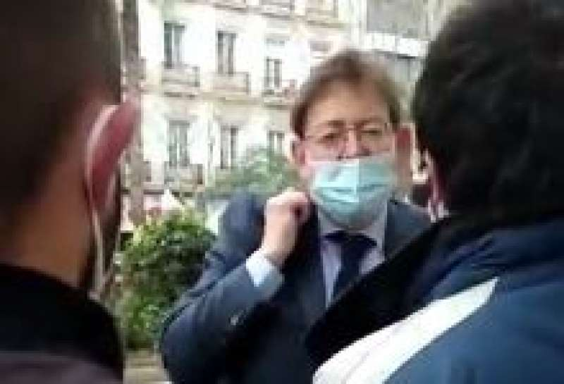 Enfrentamiento entre Ximo Puig y los estudiantes. EPDA