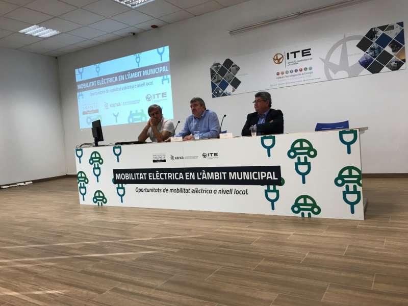 El diputat Josep Bort ha intervingut en la Jornada sobre Mobilitat Elèctrica.