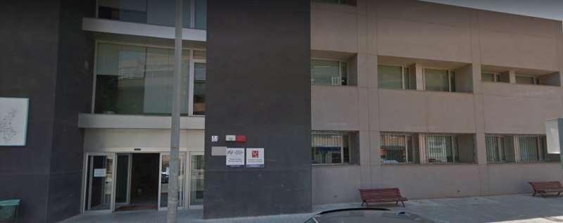 Entrada del Centro de Salud II. EPDA