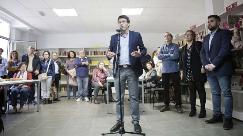 Jorge Rodríguez, en la inauguración de la biblioteca de Rafelbunyol. EPDA