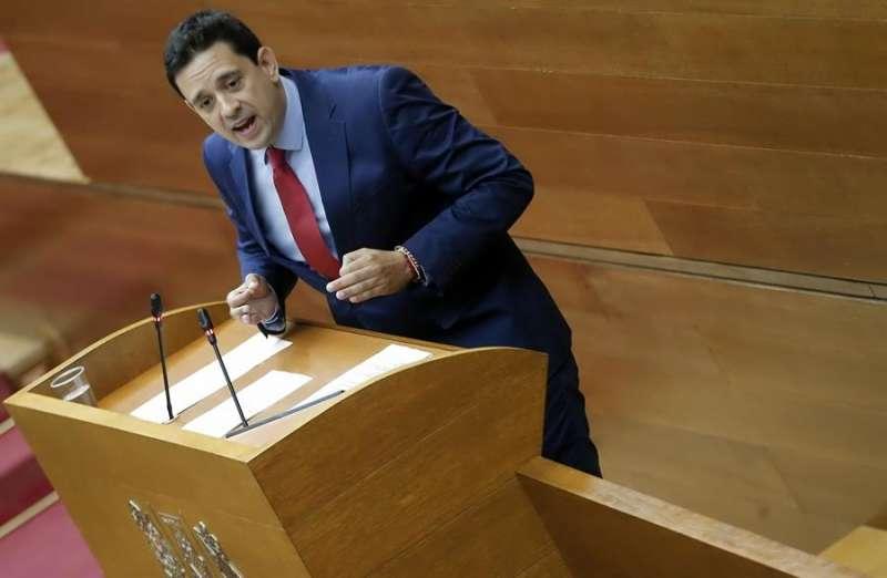 El portavoz de Sanidad del Grupo Parlamentario Popular, José Juan Zaplana. EFE/Manuel Bruque/Archivo
