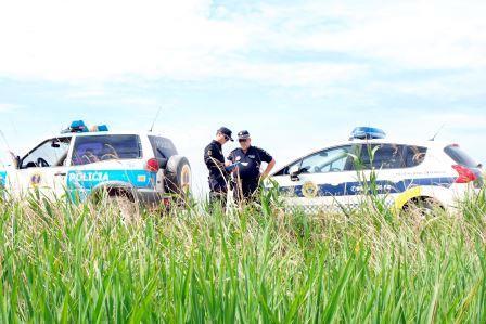 La patrulla realiza inspecciones periódicas en las zonas agrícolas del término municipal. Foto: EPDA.