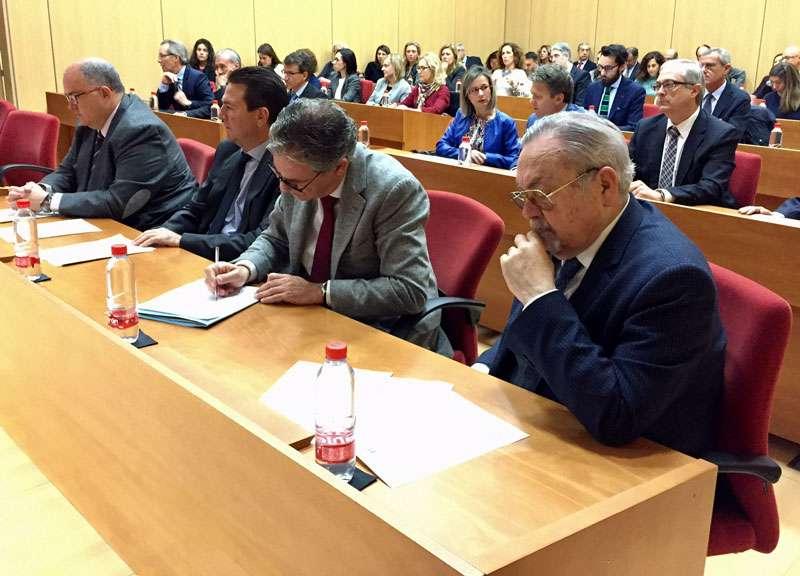 Cerca de 60 jueces decanos de la comunidad valenciana han for Oficina judicial