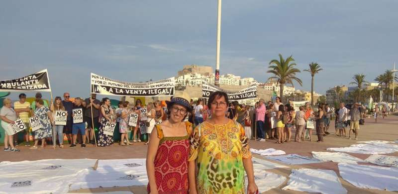 Manifestación en contra del comerç ilegal a Peñíscola. EPDA