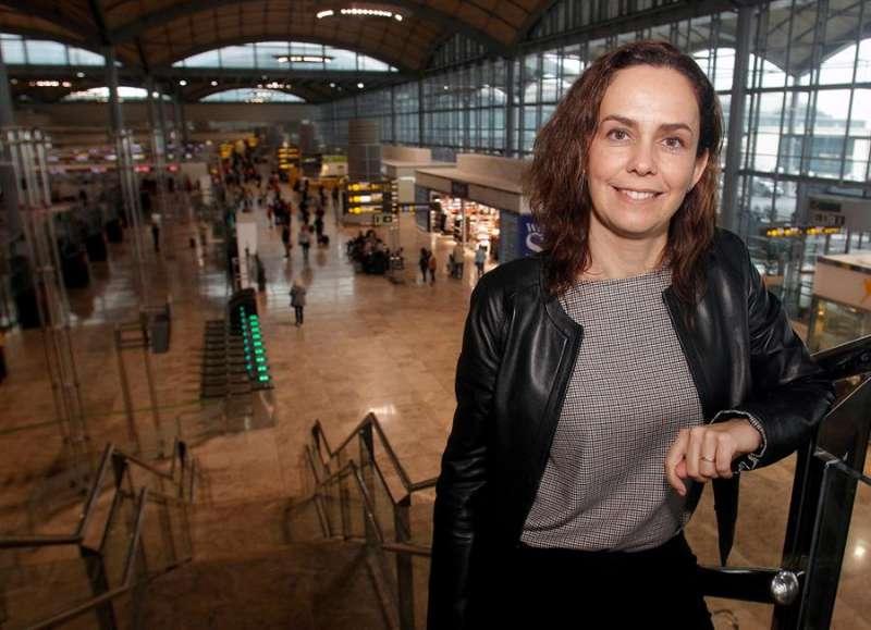 La directora del aeropuerto de Alicante-Elche, Laura Navarro. EFE