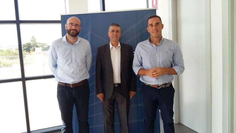 El conseller durante su visita a Hurtado Rivas.