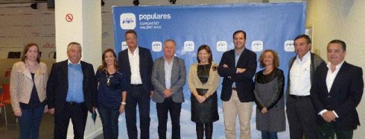 Bonig con alcaldes con desaladoras y afectados por el proyecto Castor. FOTO PPCV.COM