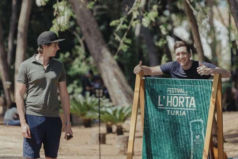 Los hermanos James y Oliver Phelps, estrellas de la saga cinematográfica de Harry Potter