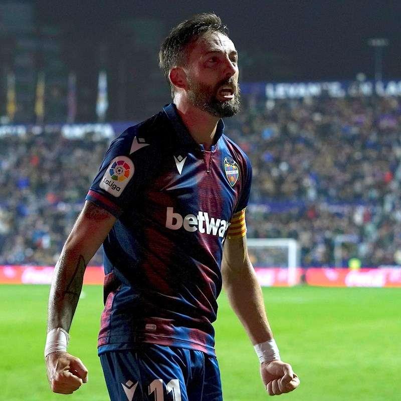 El centrocampista del Levante José Luis Morales celebra tras marcar ante el Real Madrid. EFE