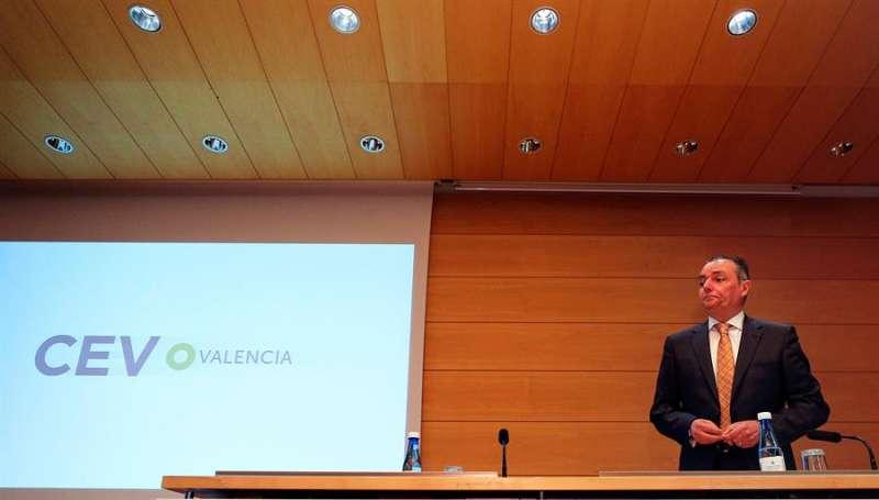 El presidente de la CEV, Salvador Navarro, al comienzo de una asamblea. EFE