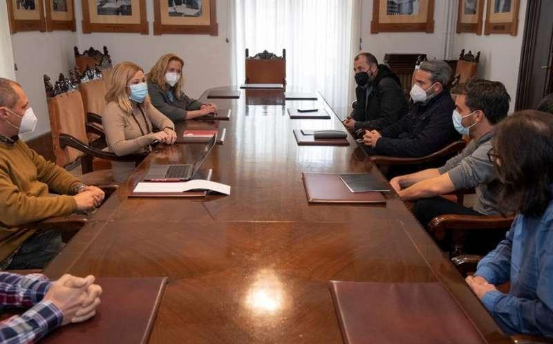 Reunión de la diputada provincial de Turismo, Virginia Martí, con la representación de ON! Castellón