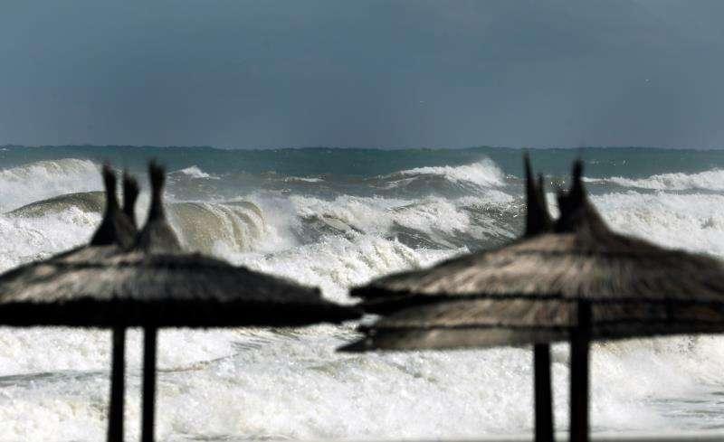 Estado del mar hoy. cuando la DANA (depresión aislada en niveles altos) afecta a la Comunitat. EFE/Juan Carlos Cárdenas