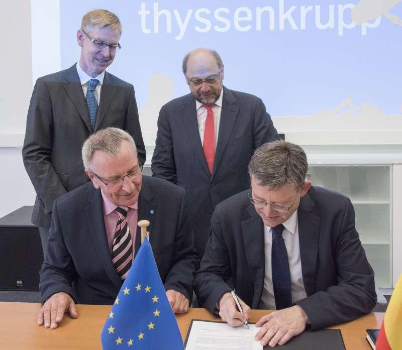Ximo Puig, y el directivo de ThyssenKrupp Steel Europe AG, Thomas Schlenz