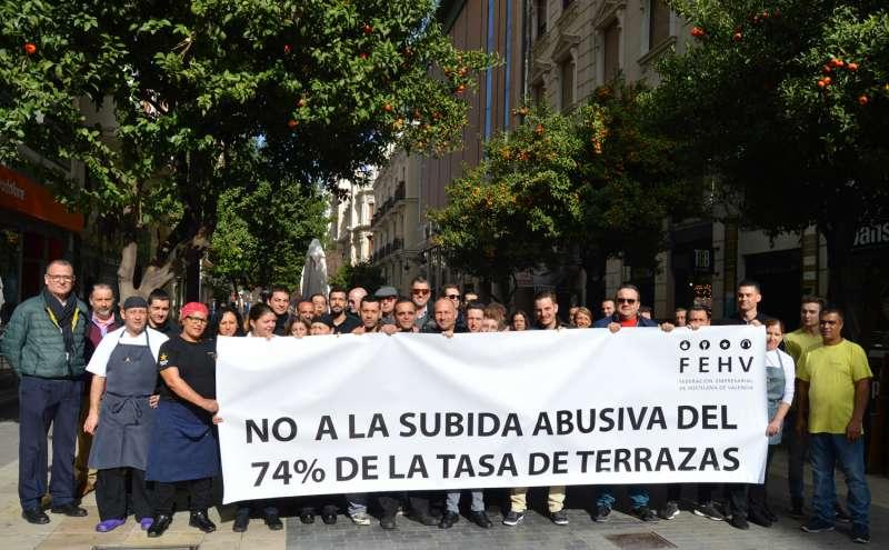 Los hosteleros de Valencia manifestándose. //EPDA