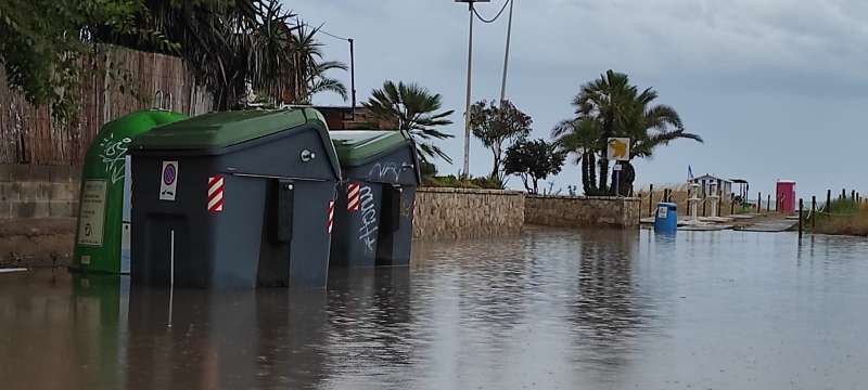 Zona de la playa de Port de Sagunt esta mañana. / EPDA