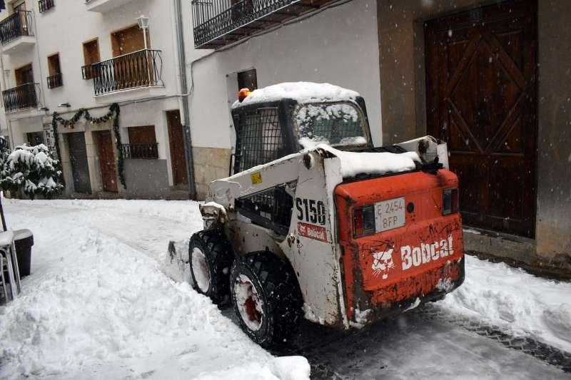 Una máquina actuando tras la nevada/EPDA