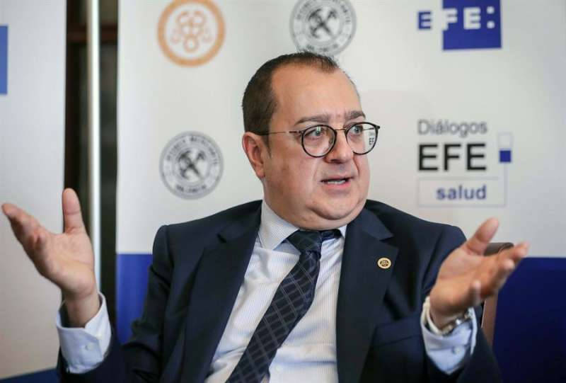 El presidente de la Asociación de Derecho Sanitario de la Comunidad Valenciana (ADSCV), Carlos Fornes. EFE/Ana Escobar/Archivo