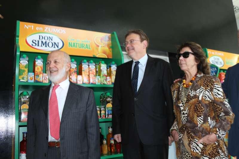 Ximo Puig con responsables de la empresa