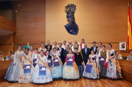 Visita de diferentes comisiones falleras a la Diputación. FOTO: EPDA