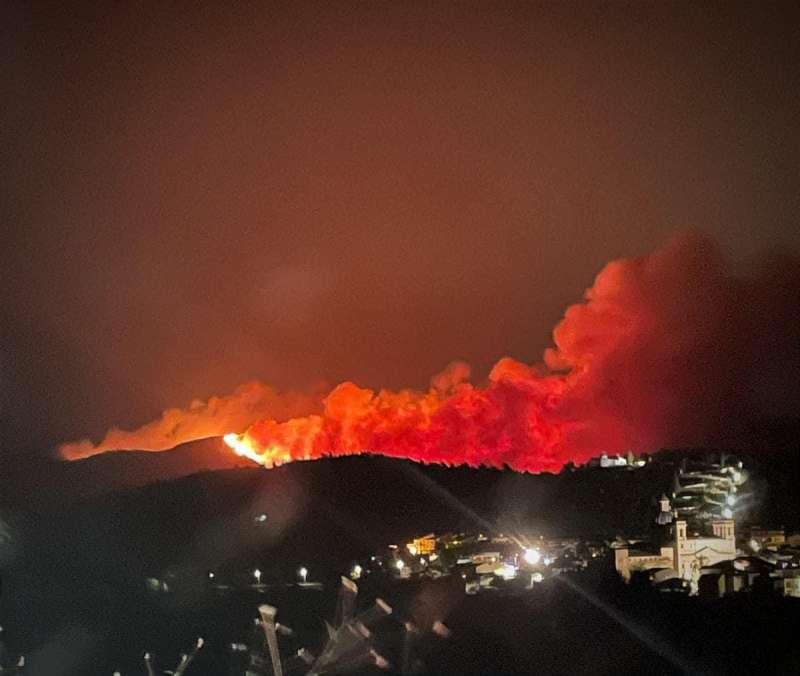 Perfil de las llamas tras Sot de Ferrer