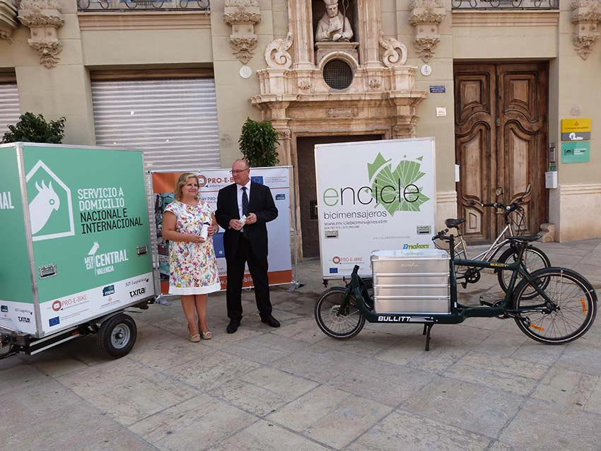 Presentación del resultado a cargo de la edila Maria Àngels Ramon-Llin. FOTO EPDA