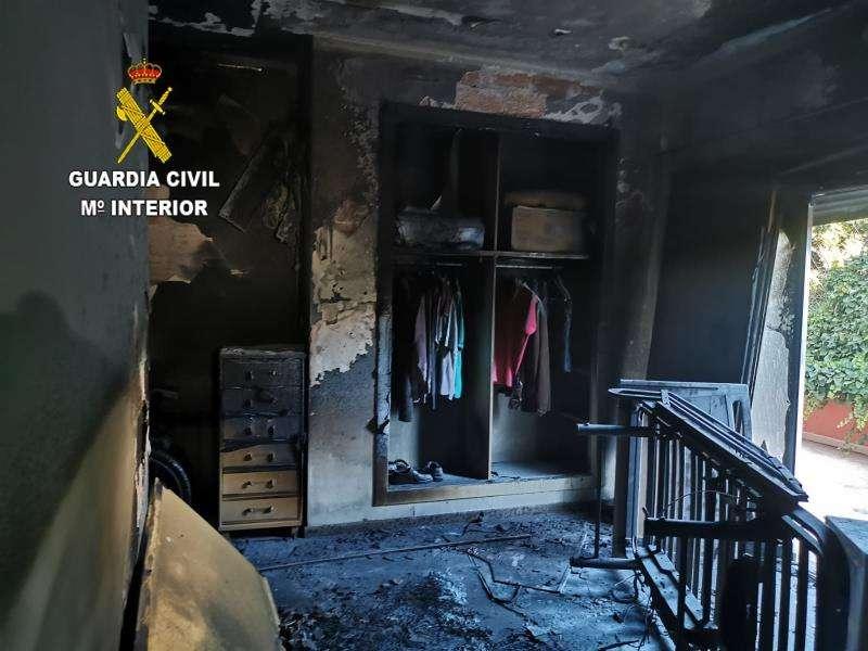 Imagen del incendio de la residencia de Benicàssim facilitada por la Guardia Civil